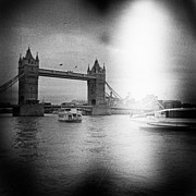 Angel  Tarantella - Tower Bridge