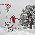 Matthias Hauser - BMX Flatland in the snow...