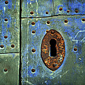 RicardMN Photography - Keyhole on a blue and...