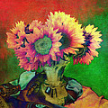 Sandra Selle Rodriguez - Sunflowers in Green Vase