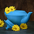 Tom Mc Nemar - Tea Kettle with Daisies...