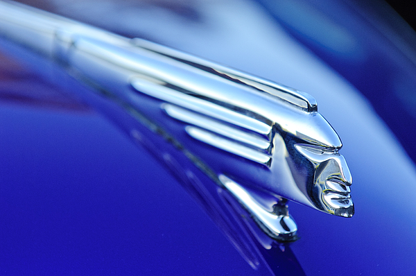 1939 Pontiac Coupe Photograph - 1939 Pontiac Coupe Hood Ornament 4 by Jill Reger