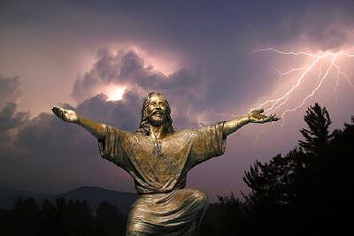 Christ Statues Sculpture - Christ Welcomes by Tom White