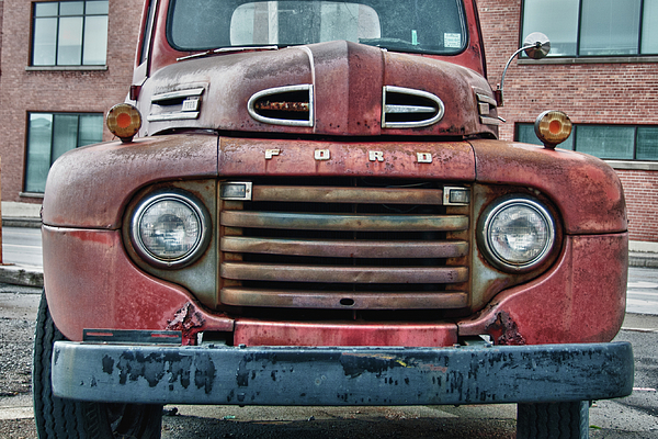 Antique Car Photograph - Ford 4623 by Guy Whiteley