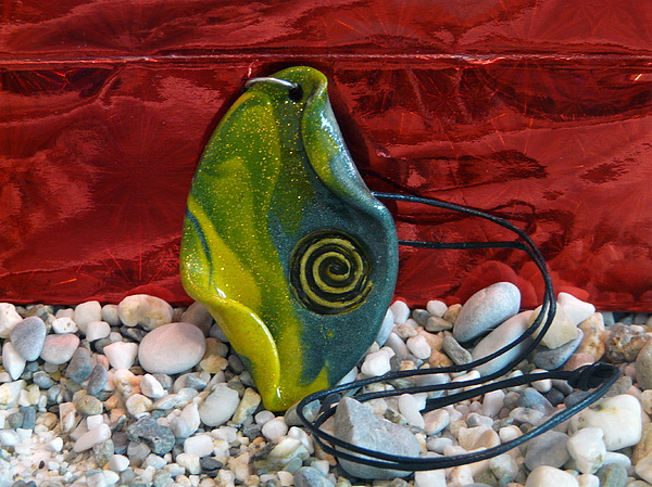 Green And Yellow Spiral Pendant Jewelry