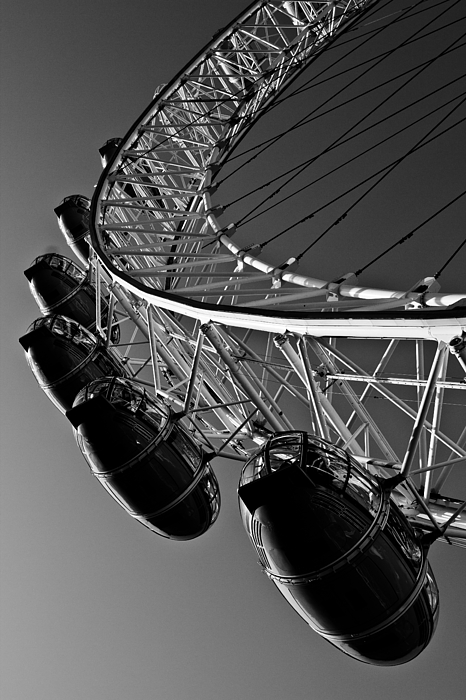 London Photograph - London Eye by David Pyatt