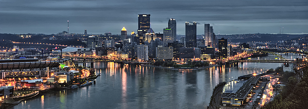 Pittsburgh Photograph - Pittsburgh Skyline 2 by Wade Aiken