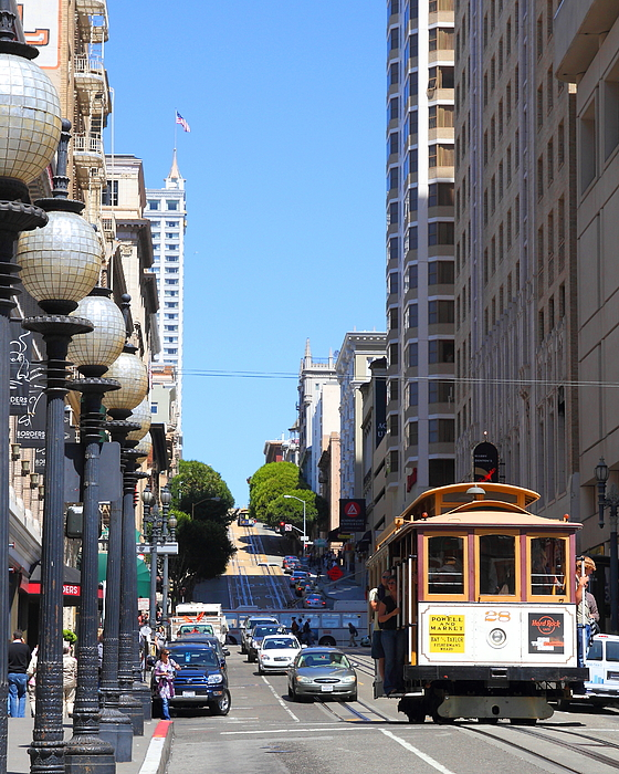 Powell Street Photograph - San Francisco Cablecar On Powell Street by Wingsdomain Art and Photography