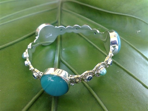 Ss Bangle With Turquoise Opaque Glass Gem Marbles Jewelry