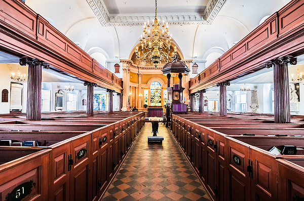 Aisle Photograph - St. Michaels by Drew Castelhano
