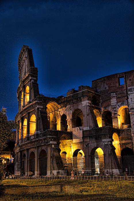 Coleseum Photograph - The Coleseum In Rome At Night by David Smith