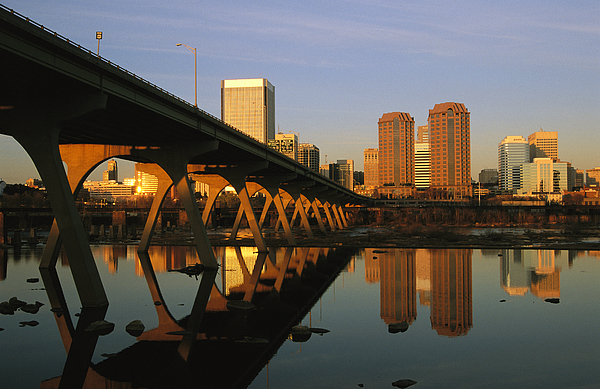 North America Photograph - The Richmond, Virginia Skyline by Medford Taylor