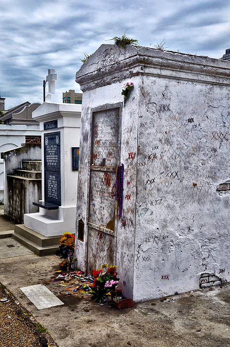 Voodoo Queen Marie Laveau's Tomb Photograph by Bill Cannon