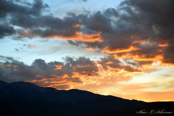 ... photo 1 must be photography 2 may be color or black and white 3 may: fineartamerica.com/contests/amazing-sunsets.html