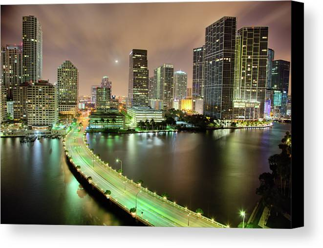 Horizontal Canvas Print featuring the photograph Miami Skyline At Night by Steve Whiston - Fallen Log Photography