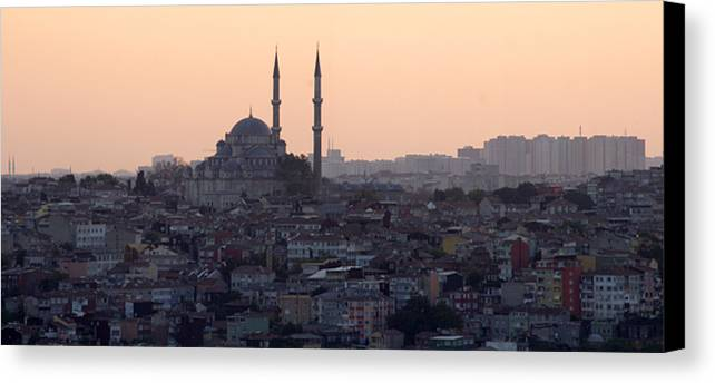 Horizontal Canvas Print featuring the photograph Istanbul Cityscape At Sunset by Terje Langeland