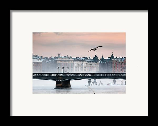 Horizontal Framed Print featuring the photograph Skeppsholmsbron, Stockholm by Hannes Runelöf