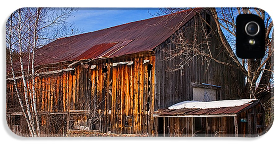 New Hampshire IPhone 5 / 5s Case featuring the photograph Winter Barn - Chatham New Hampshire by Thomas Schoeller