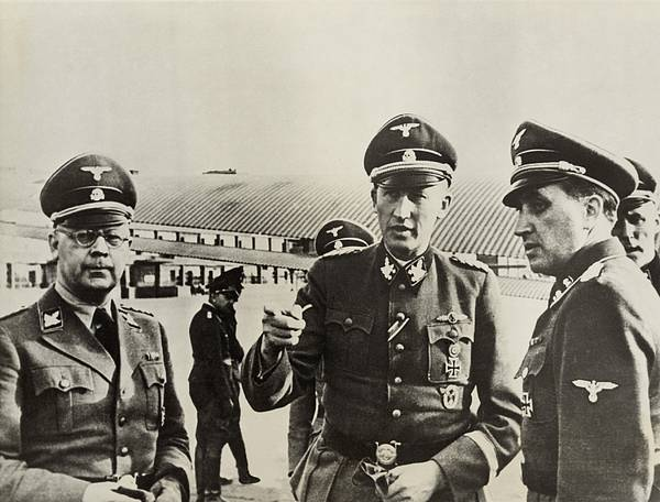 History Print featuring the photograph Heindrich Himmler Leftand Heydrich by Everett