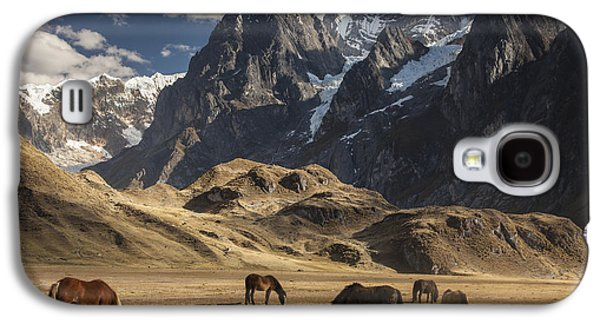 Horses Grazing Under Siula Grande Galaxy S4 Case by Colin Monteath