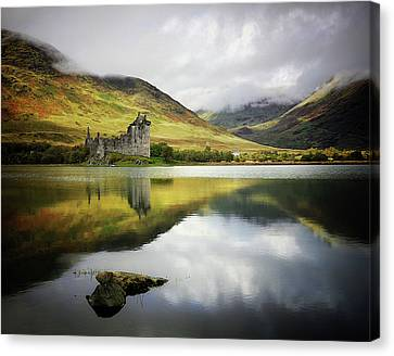 Kilchurn Castle Loch Awe Canvas Print by Kennethbarker