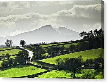 Road To Brecon Beacons Canvas Print by Ginny Battson