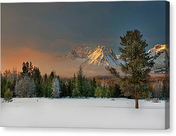 Sunrise Over Sawtooth Mountains Idaho Canvas Print by Knowles Photography