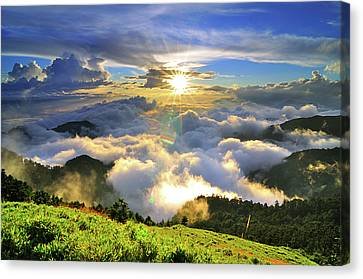 Sunset With Clouds Canvas Print by Photo by Vincent Ting
