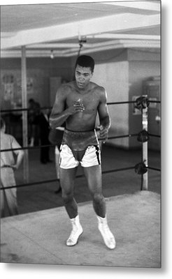 Muhammad Ali Warming Up Metal Print by Retro Images Archive