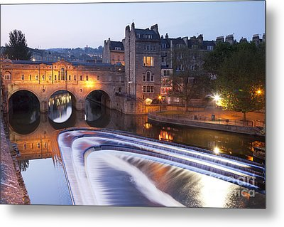 Pulteney Bridge And Weir Bath Metal Print by Colin and Linda McKie