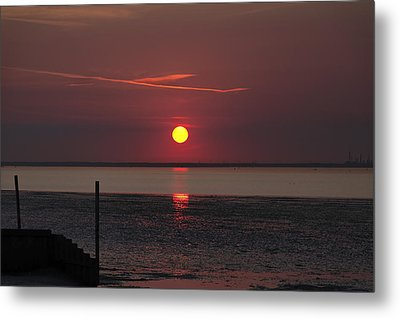 Sunset Over The Hampshire Coast Metal Print by Rod Johnson