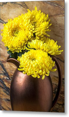 Yellow Mums In Copper Vase Metal Print by Garry Gay