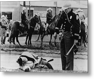 Alabama State Trooper Stands Over An Metal Print by Everett