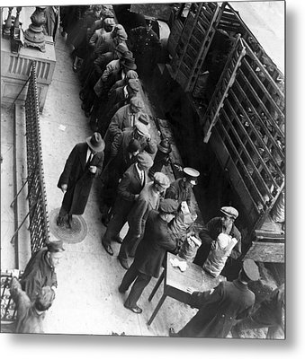 Food Handouts In New York In 1930 Metal Print by Everett