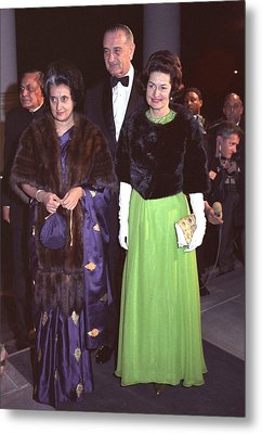 Indira Gandhi With President And Lady Metal Print by Everett