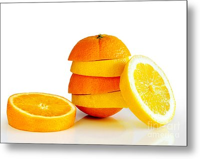 Oranje Lemon Metal Print by Carlos Caetano