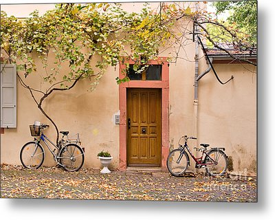A Back Lane In Speyer Metal Print by Louise Heusinkveld