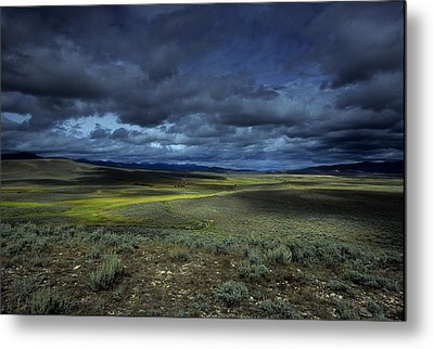 A Storm Builds Up Over A Colorado Metal Print by David Edwards