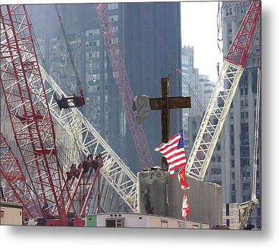 At The World Trade Center Disaster Site Metal Print by Everett