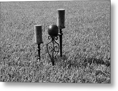 Candles In Grass Metal Print by Rob Hans