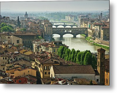 Florence. View Of Ponte Vecchio Over River Arno. Metal Print by Norberto Cuenca