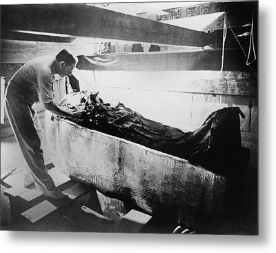 Howard Carter 1874-1939,  Turning Back Metal Print by Everett