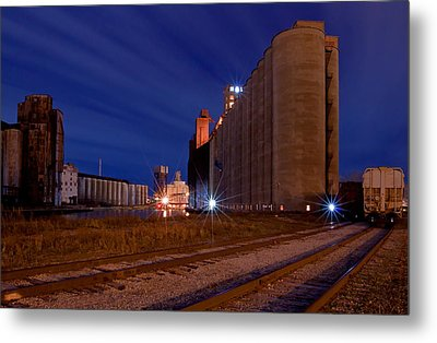 Night At Elevator Alley Metal Print by Don Nieman