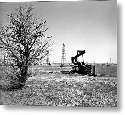 Oklahoma Oil Field Metal Print by Larry Keahey