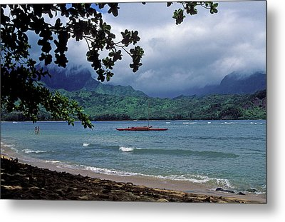 Red Canoe On Hanalei Bay Metal Print by Kathy Yates