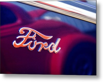 Reflections In An Old Ford Automobile Metal Print by Carol Leigh