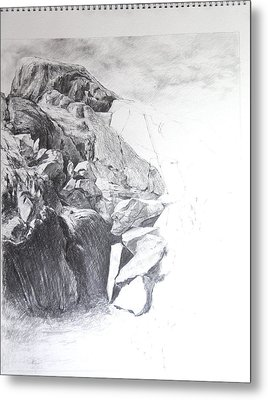 Rocky Outcrop In Snowdonia. Metal Print by Harry Robertson