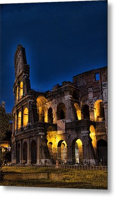 The Coleseum In Rome At Night Metal Print by David Smith