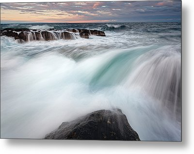 The Wave Metal Print by Evgeni Dinev