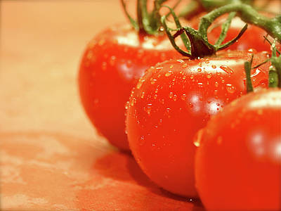 The 3 Tomatoes Print by Mark Delfs